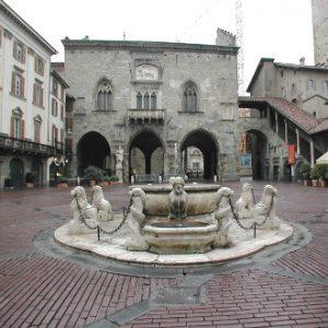 Visita a la Piazza Vecchia